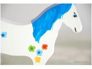 Arkliukas su ratukais baltas su gėlytėmis 2