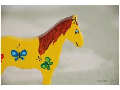 Mažas arkliukas su ratukais geltonas su drugeliais 4