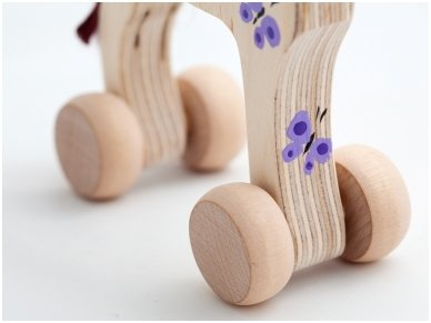 Wooden horse on wheels 3