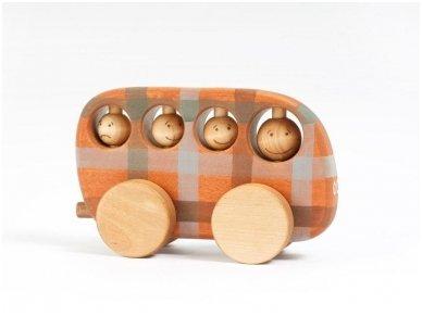 Wooden bus (checkered)