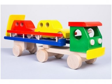 Car carrier truck with cars