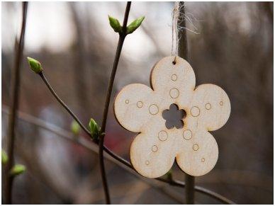 Wooden flower ornament 2