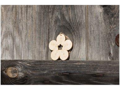 Wooden flower ornament 4