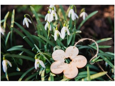 Wooden flower ornament 6