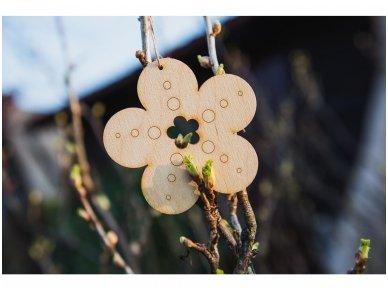 Wooden flower ornament 8