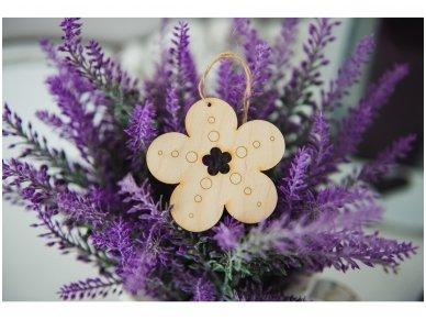 Wooden flower ornament 9