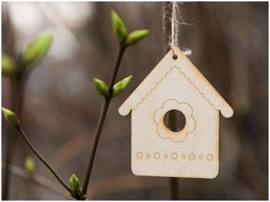 Wooden nesting-box ornament 2