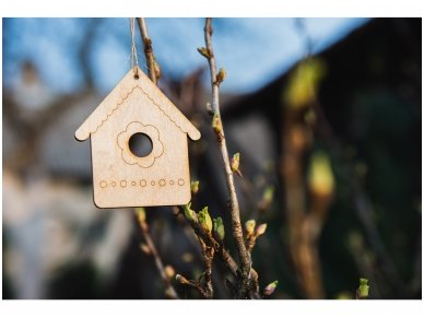 Wooden nesting-box ornament 5