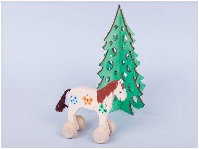 Medinė kalėdų eglė 9