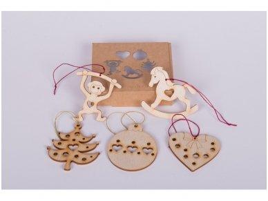 Kalėdinių medinių žaisliukų rinkinys 4