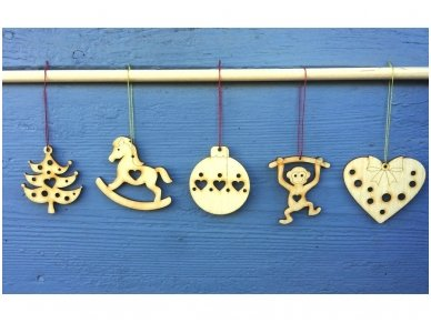Kalėdinių medinių žaisliukų rinkinys 14