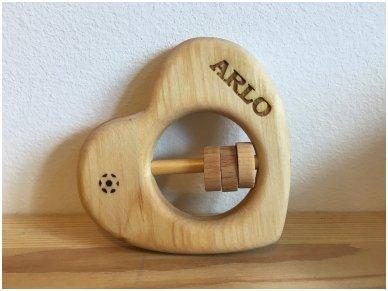 Organic wooden rattle teether 'Heart' 12