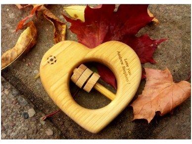 Organic wooden rattle teether 'Heart' 6
