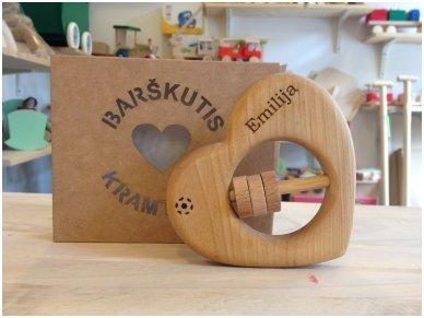 Organic wooden rattle teether 'Heart' 11
