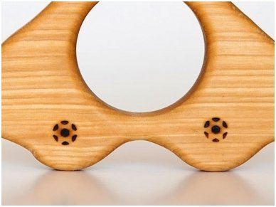 Organic wooden teether 'Car' 2