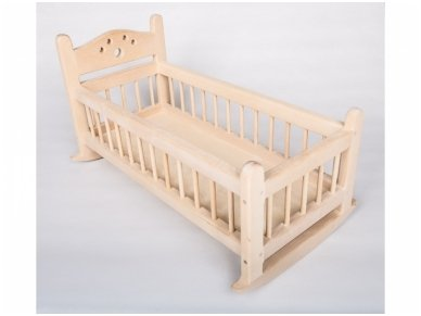 Nedažyta lėlių lova