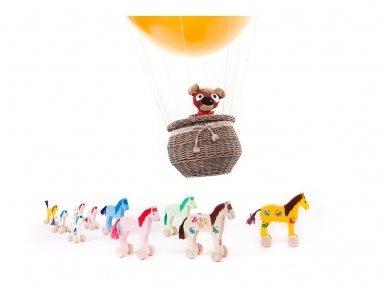 Mažas arkliukas su ratukais rudas su drugeliais 5