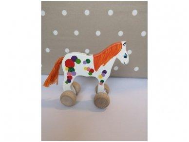 """Mažas arkliukas su ratukais """"Baltas burbuliukas"""""""