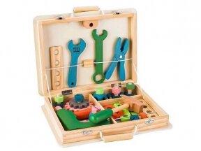 Medinis įrankių rinkinys dėžutėje