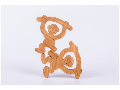 Medinė beždžionėlė 9
