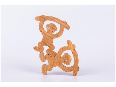 Medinė beždžionėlė 2016-tų metų simbolis 9