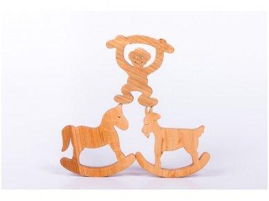 Medinė beždžionėlė 2016-tų metų simbolis 11