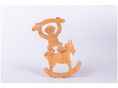 Medinė beždžionėlė 12