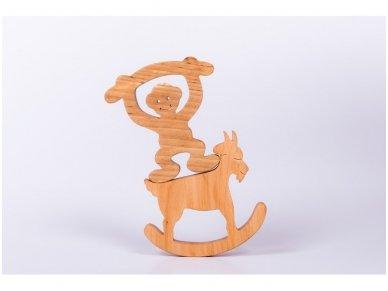 Medinė beždžionėlė 2016-tų metų simbolis 12