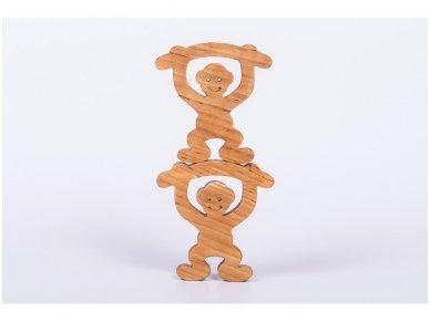 Medinė beždžionėlė 2016-tų metų simbolis 3