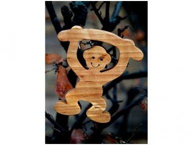 Medinė beždžionėlė 2016-tų metų simbolis 16