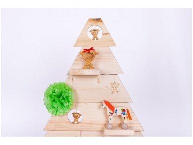 Medinė kalėdinė eglė 3