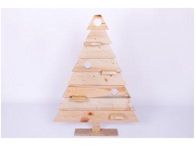 Medinė kalėdinė eglė 4