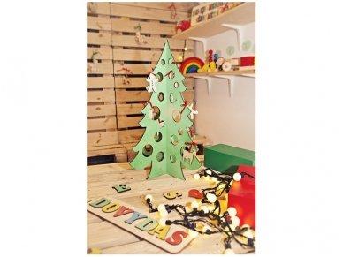 Medinė kalėdų eglė 11