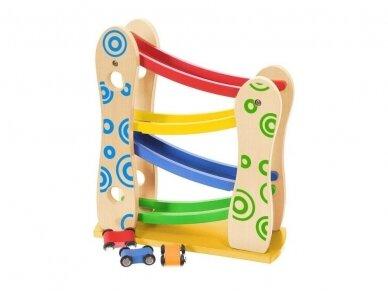 Medinė lenktynių rampa su automobiliukais 2