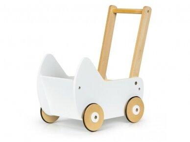 Medinis baltas vežimėlis