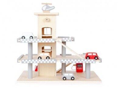 Medinis garažas su mašinėlėmis 4