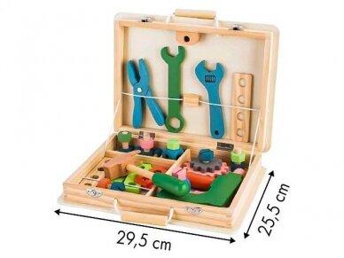 Medinis įrankių rinkinys dėžutėje 3