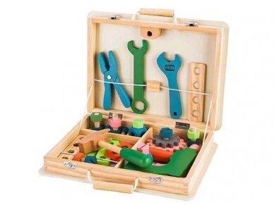 Medinis įrankių rinkinys dėžutėje 2