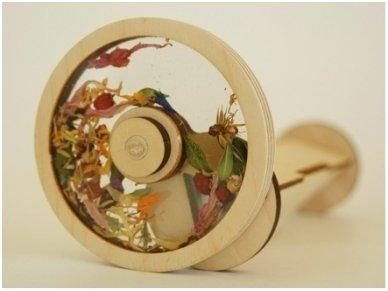 Medinis kaleidoskopas su džiovintomis gėlėmis 2