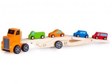 Medinis tralas su spalvotomis mašinėlėmis 3