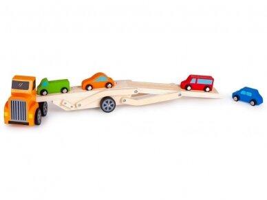 Medinis tralas su spalvotomis mašinėlėmis 4