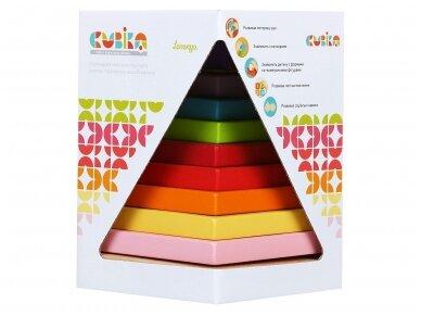 Spalvota piramidė 4
