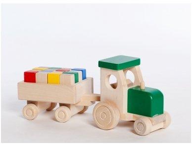 Traktorius su kaladėlėmis