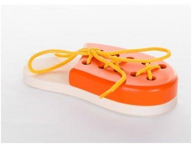 Laceable shoe 8