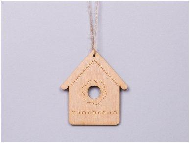 Wooden nesting-box ornament