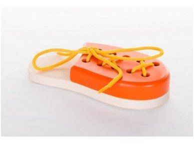 Laceable shoe 10