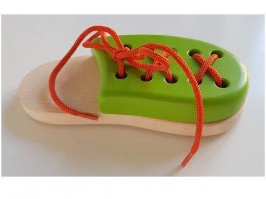 Laceable shoe 11